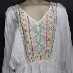 White South Western Top with Detailed Embroidery